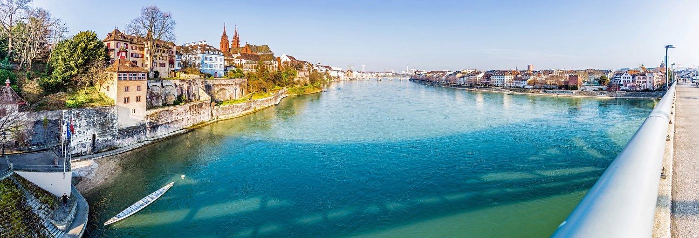 Panorama der Stadt Basel und Rhein, Schweiz
